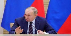 Putin planteó introducir cambios en la Ley de leyes rusa el pasado 15 de enero, en su mensaje anual al Parlamento y llevarlos a sufragio nacional.