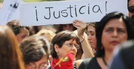 El 14 de diciembre pasado se impuso la querella contra el presidente, Sebastian Piñera  a quien los chilenos responsabilizan de crímenes de lesa Humanidad