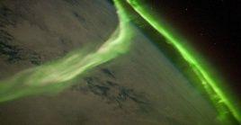 La radiación cósmica y las tormentas geomagnéticas pueden afectar el funcionamiento de las naves espaciales, y dañar equipos electrónicos en la Tierra.