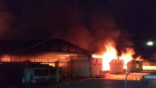 Extrema derecha venezolana incendia almacén de telecomunicaciones de Cantv y Molvinet