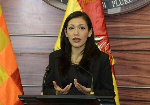 Salvatierra se presentó como candidata, aunque no formó parte de las listas del MAS en las próximas elecciones de mayo.