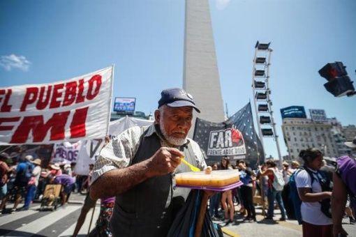 Gobierno de Argentina aprueba aumento de jubilaciones