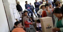 """""""No podemos construir una democracia fuerte sobre la base de injusticias. ¡Basta de bolivianas y bolivianos perseguidos y enjuiciados! ¡Basta de dictadura! #HabilitenLaDemocracia para todas y todos"""", indicó Evo Morales."""