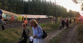 Los medios locales reportan que alrededor de 20 personas continúan desaparecidas tras el accidente.