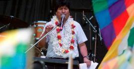 En esta foto de archivo, Evo Morales se dirige a miles de personas en un acto celebrado en enero en Buenos Aires, Argentina.
