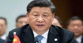 Xi Jinping admitió que ha habido deficiencias en la respuesta del gigante asiático hacia esta catástrofe sanitaria, y enfatizó en la necesidad de aprender de ellas.