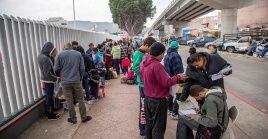 Los solicitantes de asilo enfrentan un grave peligro y un daño irreversible todos los días que esta política sigue vigente.
