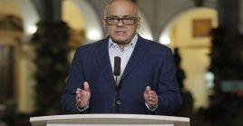 Rodríguez reiteró que el Ejecutivo anunciará el próximo domingo una serie de medidas de cuarentena selectiva regional-colectiva.