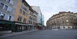 La cuarentena o aislamiento limita el movimiento por las calles disminuyendo la transmisión del virus.