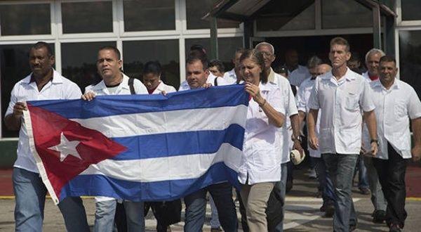 https://www.telesurtv.net/__export/1584412476585/sites/telesur/img/2020/03/16/medicos_cubanos.jpg_1718483347.jpg