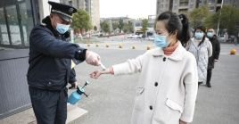 Las autoridades chinas llaman a la población a mantener la preocuación, dada la complejidad y gravedad de la situación epidemiológica global.