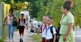 El cierre de escuelas en Cuba va acompañado con un programa de teleclases para afianzar conocimientos.