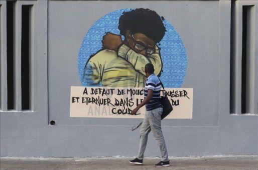 Los artistas callejeros se han sumando a jornadas de concientización y prevención del coronavirus en Senegal.