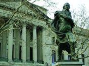 Francisco de Miranda realizó grandes hazañas dentro y fuera de su patria, que inmortalizaron su nombre en la historia universal.