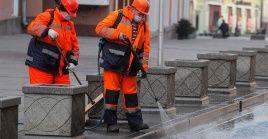 Rusia aplica medidas de aislamiento social, cierre de fronteras e higienización extensiva.