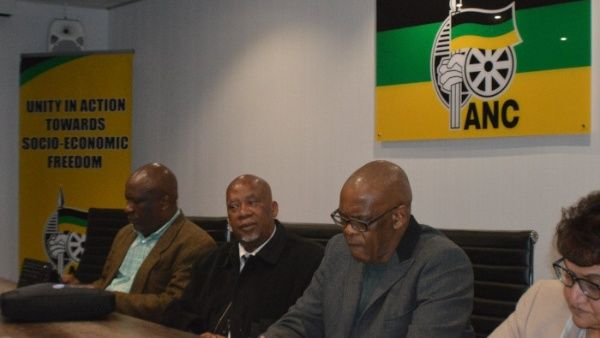 En la imagen de archivo, aparecen líderes del gobernante Congreso Nacional Africano (CNA) de Sudáfrica.
