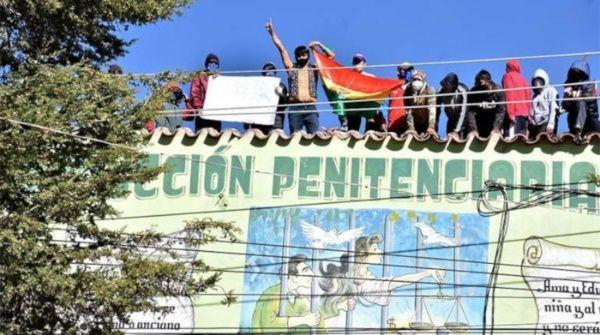 Amotinamiento en cárcel de Bolivia ante precarias condiciones de higiene