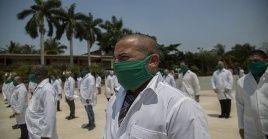 Cerca de 200 profesionales de la salud de Cuba llegaron a Catar a combatir a la pandemia del coronavirus.
