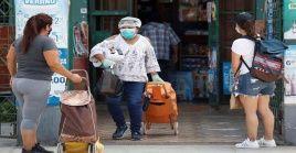 De igual forma el jefe de Estado reiteró que la medida de cuarentena estará vigente hasta el próximo 26 de abril con el objetivo de detener el crecimiento de afectados por el virus.