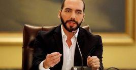 """El mandatario Nayib Bukele ordenó que los jefes de pandillas sean colocados en """"aislamiento solitario""""."""