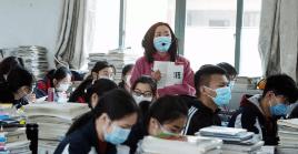 Los encargados del sector educativo en el país asiático han establecido que todas las universidades y colegios ejerzan una gestión cerrada del campus.
