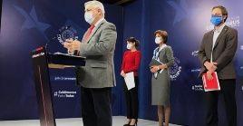 El ministro de Salud, Jaime Mañalich, comentó que los casos asintomáticos tienen una importancia epidemiológica mayúscula.