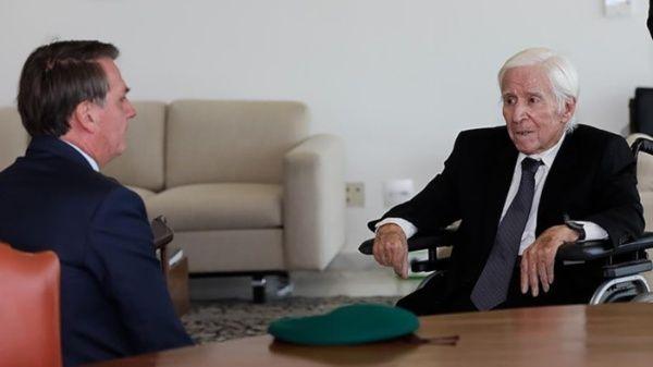 El mandatario brasileño recibió numerosas criticas de familiares de las víctimas que dejo la dictadura.