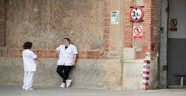 ElMinisterio de Sanidad español indicó que, a la fecha, registran más de 25.000decesos y más de 219.000personas infectadas.
