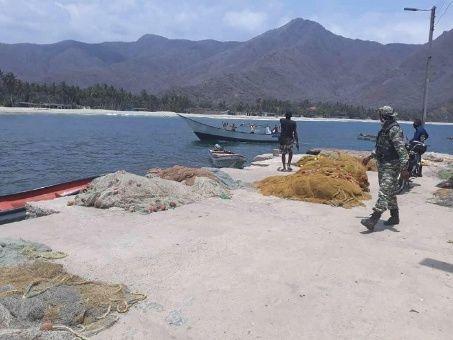 Pescadores del pueblo de Chuao apoyan a la FANB a interceptar a los mercenarios y ponerlos a la orden de la justicia.