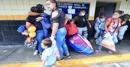 El Gobierno de Perú continúa liberando a internos, para reducir la población penal del país y mitigar los contagios de Covid-19.
