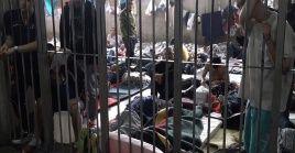 El hacinamiento y otras malas condiciones elevan entre los detenidos el riesgo de contagio de la Covid-19.
