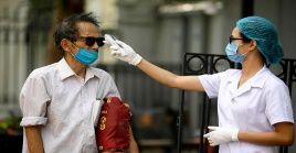 Tras la presencia del virus, el Gobierno entregó folletos anunciando medidas de prevención contra la pandemia.