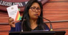 En la imagen de archivo, aparece la senadora del MAS y presidenta del Senado boliviano, Eva Copa.