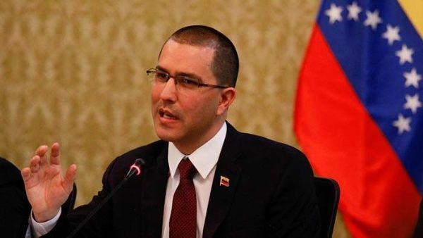 Arreaza repudió que Elliott Abrams, confesara la responsabilidad del gobierno de Donald Trump en la escasez de gasolina en Venezuela.