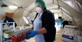 Los hospitales de campaña italianos se mantienen operativos, ante el número de casos activos que aún se reportan.