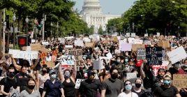 En la noche del domingo, una gran concentración en la Casa Blanca exigió el derecho a la vida y repudió las acciones de racismo por parte del Ejecutivo y de la fuerza pública.