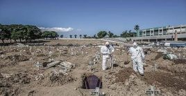 El salto en el número de decesos confirma a Brasil como el cuarto país con mayor número de muertes por la pandemia en el mundo.