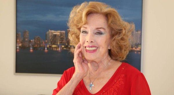El pueblo rinde tributo a Rosita Fornés, cuyos restos ya están en Cuba