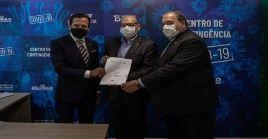 El Instituto Butantan de Brasil y el laboratorio chino Sinovac Biotech firmaron un acuerdo para iniciar la tercera fase del posible fármaco terapéutico.