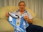 Actualmente, el exdirector técnico de la selección argentina de fútbol se encuentra en un geriátricodel barrio argentino de Almagro.