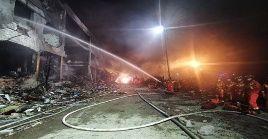 Las explosiones en la ciudad de Wenling causaron el colapso de viviendas residenciales y talleres de fábricas.