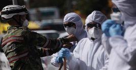 El Ministerio de Salud indicó que en las últimas 24 horas se registraron 2.193 nuevos casos y 75 fallecimientos.