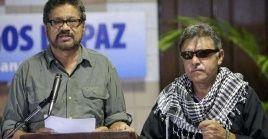 Iván Márquez, y Jesús Santrich se apartaron de la implementación de los acuerdos por falta de garantías por el Estado colombiano.