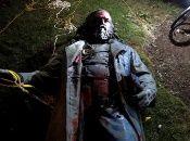 Manifestantes estadounidenses derribaron la única estatua del general confederado, Albert Pike, en Washington.