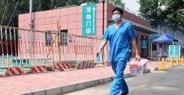 Las autoridades chinas han instalado más de 2.000 puestos de detección en Beijing para contener un nuevo rebrote de la Covid-19.