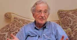 Chomsky aseguró que EE.UU. es el peor lugar del mundo para el coronavirus.