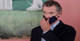 El gobernador Gavin Newsom enfrenta un déficit presupuestario estatal de 54.300 millones de dólares.