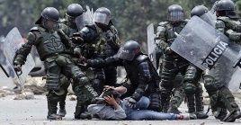 La Esmad reprimió la protesta contra los desalojos en la ciudadela Sucre, Soacha.