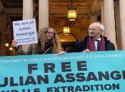 El padre de Assange hará todo lo posible para volver al Reino Unido a principios de agosto con el fin de apoyar a su hijo durante el juicio de extradición.