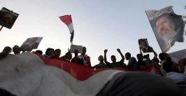 El 3 de julio de 2013, el ejército egipcio y varios sectores de la oposición, tomaron el palacio de Gobierno.
